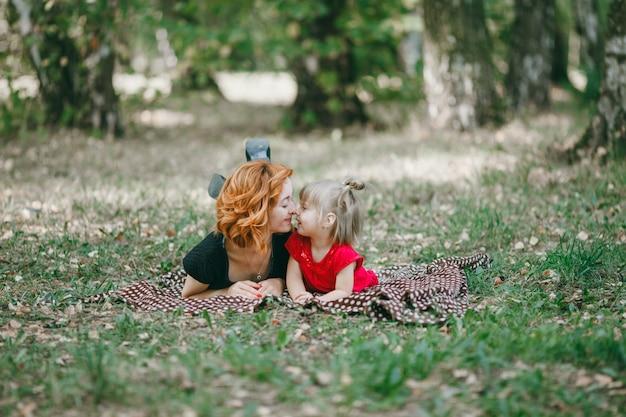 여자 머리 사랑 두 여자