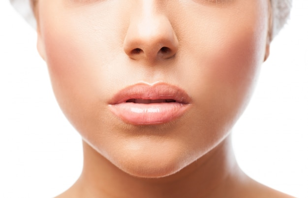 クローズアップで女性の唇
