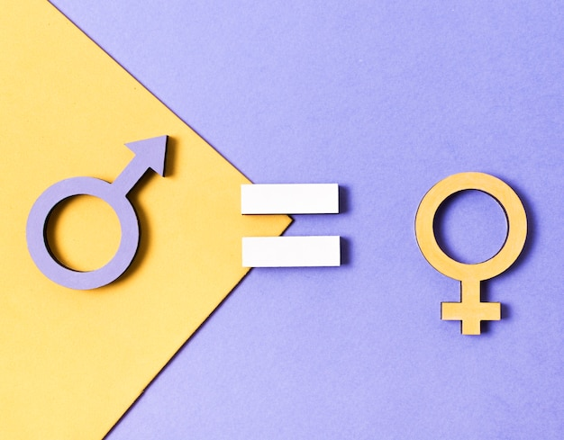 Vista superiore di simboli di genere femminile e maschile