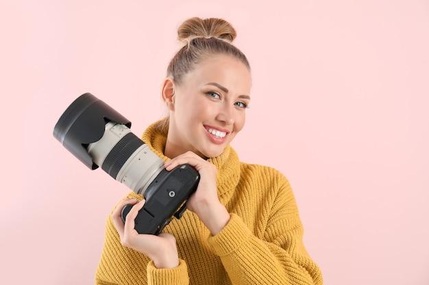 Женский фотограф в цвете
