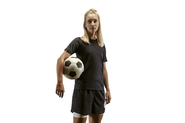 スタジアムで練習とトレーニングをしている女子サッカー選手