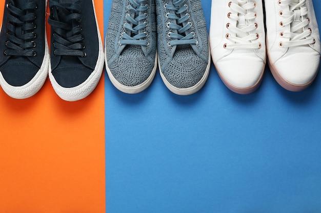 색상에 여성 세련 된 신발