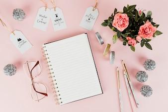 女性用クリスマスギフトタグとノート