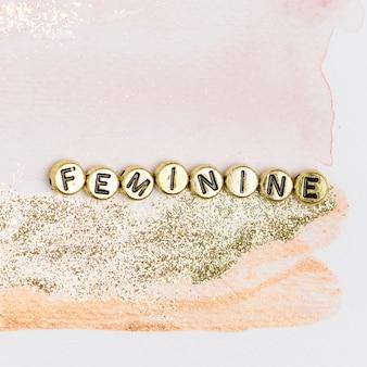Женственные золотые бусины с надписью