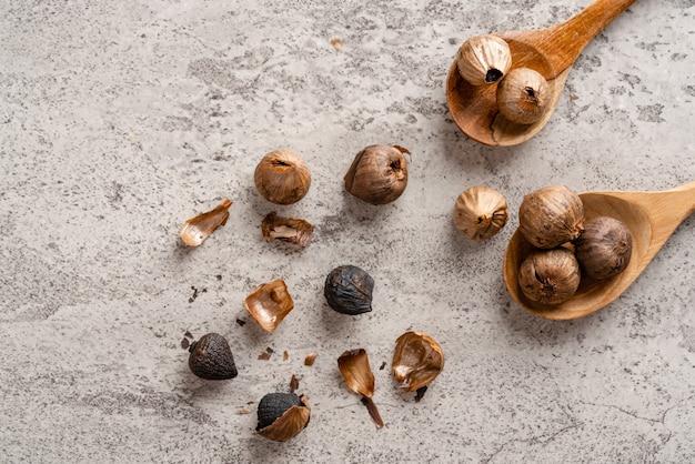 黒にんにく発酵色はメイラード反応またはカラメル化の結果です