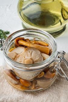 発酵食品:キノコ保存セット、白地に