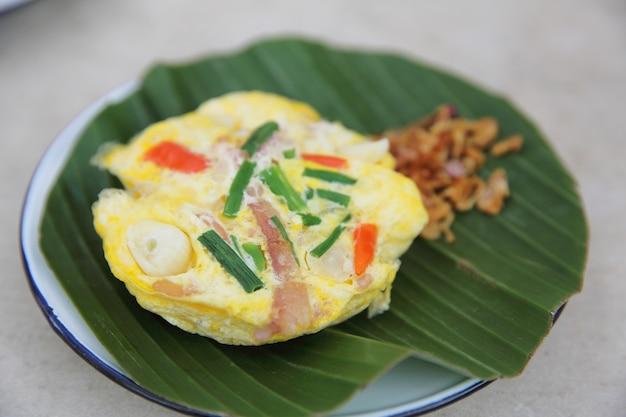 北タイ風の卵と豚肉の発酵