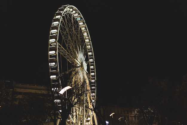 夜のブダペストの観覧車