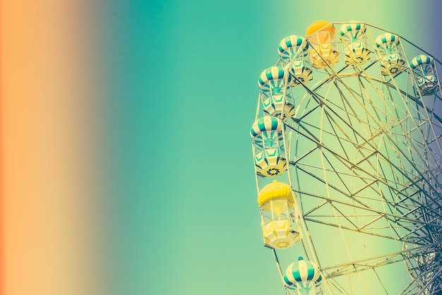 Ferris wheel with seats shaped balloon