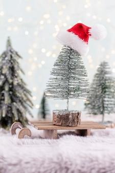 Праздничный фон с рождественскими украшениями. копирование пространства, поздравительная открытка зимних праздников, плоская планировка, вид сверху.