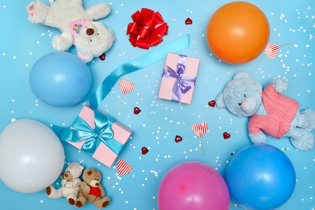 선물 및 장난감 축제 밝은 배경