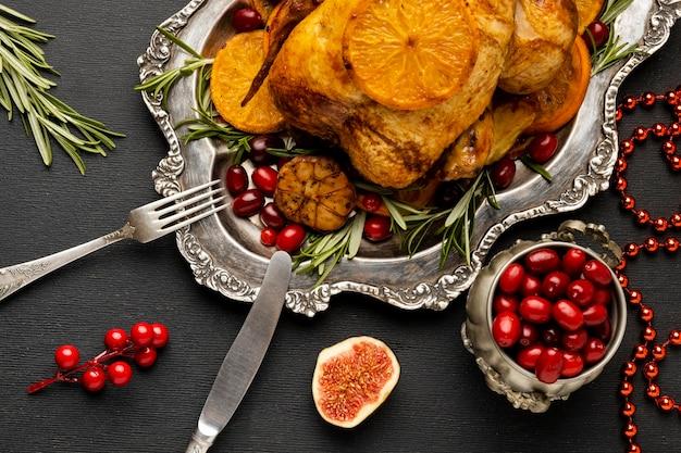 お祝いのクリスマスの食事の構成