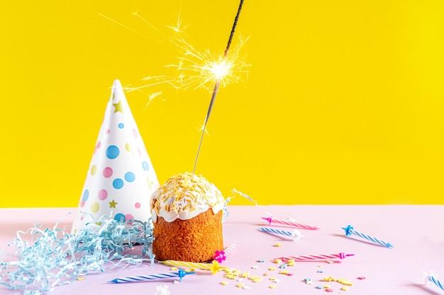향과 함께 축제 먹고입니다. 생일이나 공휴일 장식.