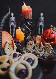 Праздничные торты на хеллоуин с имбирным надгробием