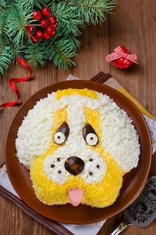 犬の顔のお祝いサラダ