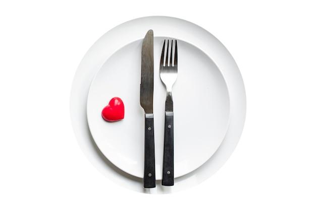 Праздничная посуда сервировка стола любовь окружающая среда тарелка, вилка, нож день святого валентина