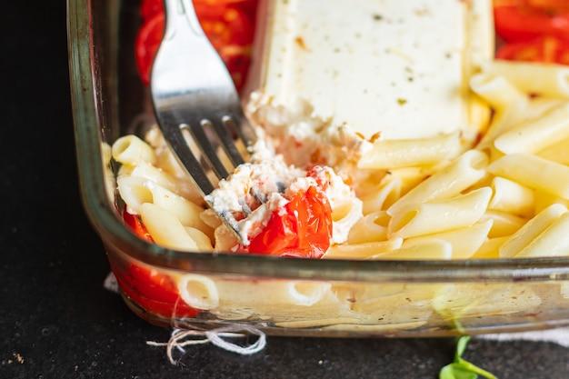 Фетапаста пенне томат специи сыр фета паста второе блюдо закуска тренд