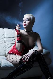 Фетиш курящая женщина
