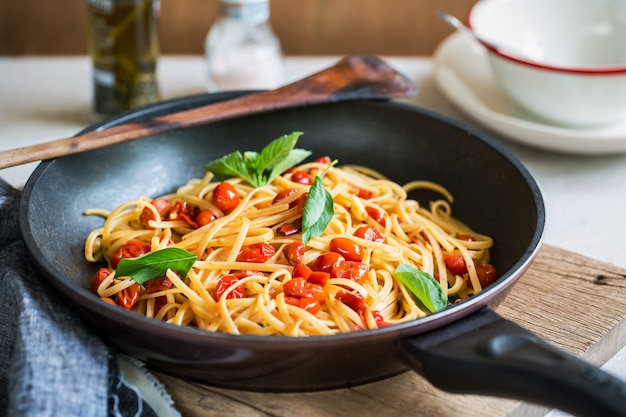 Fettuccini with cherry tomatoes