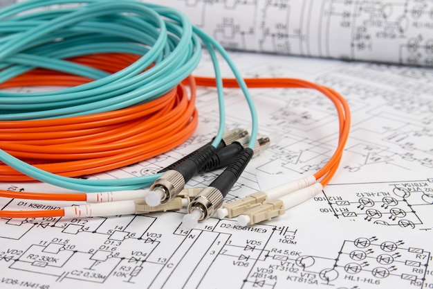Волоконно-оптический патч-корд на электротехнических чертежах