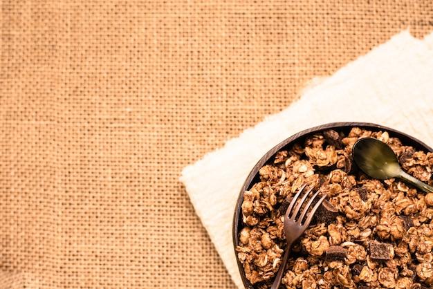 健康的な食事、コピースペースに適した繊維が豊富な全粒穀物。
