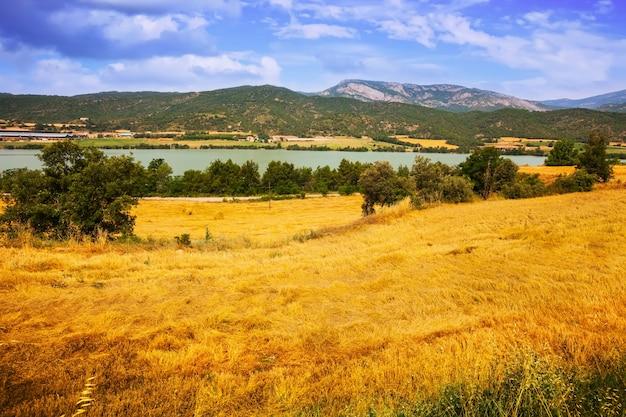 川の谷のフィールド 無料写真