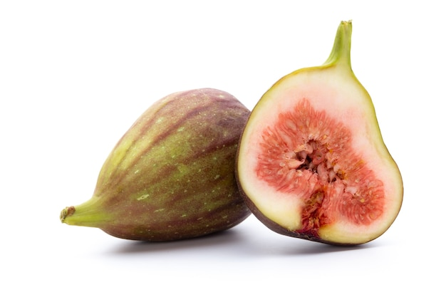 Плоды инжира, изолированные на белой поверхности. вид сверху.