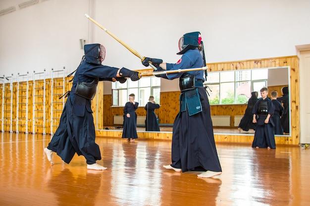 剣道ソードスクールと戦う