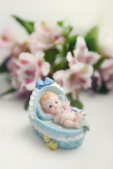 Figure of a newborn child