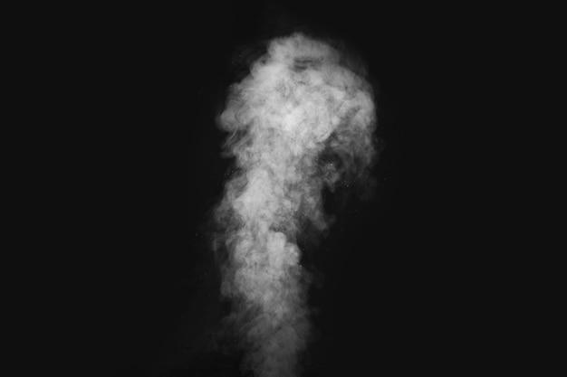 Фигурный дым на темноте. абстракция, элемент дизайна, для наложения на изображения.