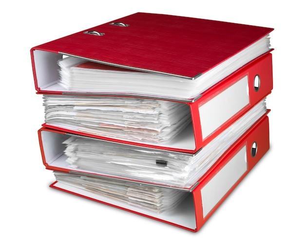 Папки с документами на белом фоне