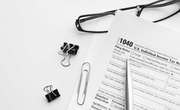 Filling the 1040 tax form. standard us income tax return form.