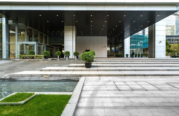 Офисное здание финансового центра в lujiazui, шанхай, китай