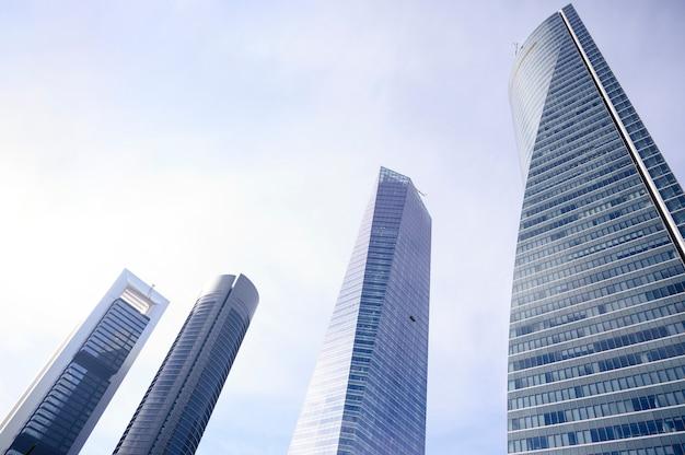 Финансовый район четырех башен мадрида, испания.