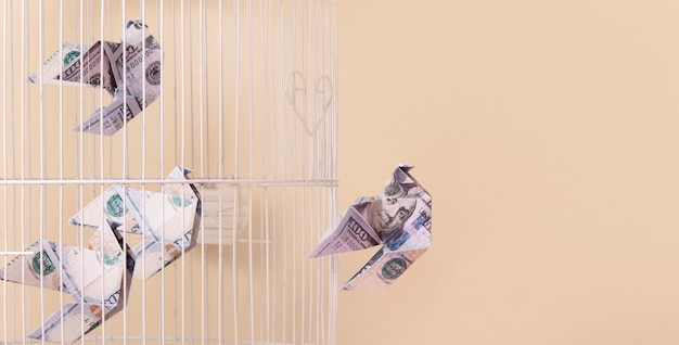 コピースペースを備えた経済的自由静物画