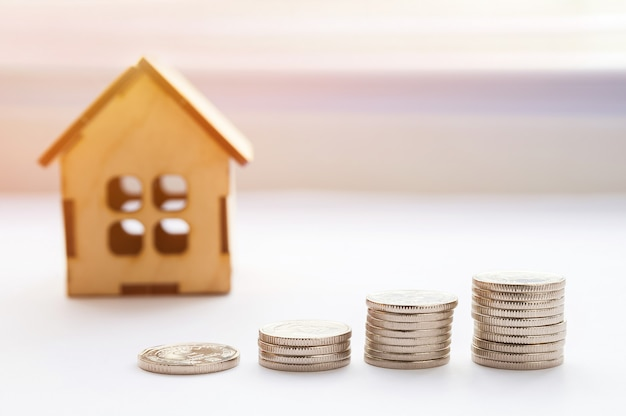 金融成長の概念、不動産税、住宅の売買、保険。