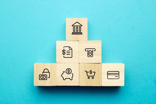 Концепция финансовых услуг для обмена и страхования и экономии денег.