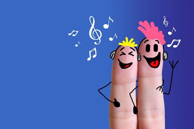 함께 음악을 듣는 손가락 얼굴