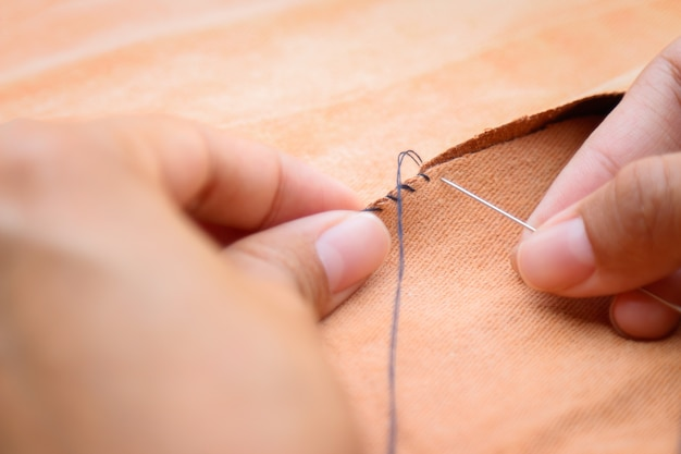 Finger sewing fabric for fixing tear cloth