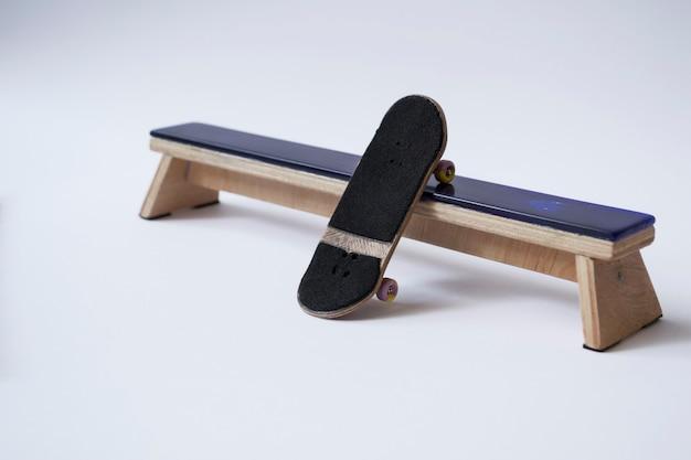フィンガースケートボード、ホームエンターテインメント。子供と大人のために。