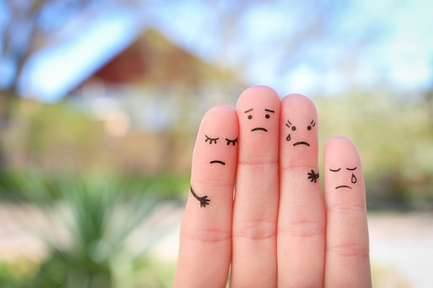 Fingers art of displeased family. concept of solution to the problems of family.