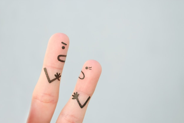 Искусство пальцев пары во время ссоры.