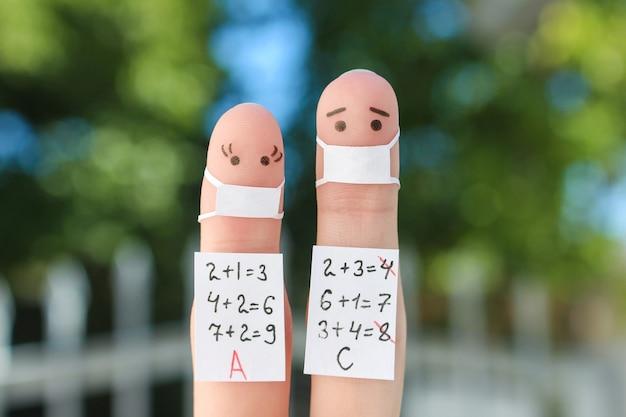 Пальцевое искусство людей. концепт-студенты в медицинской маске от covid-2019.