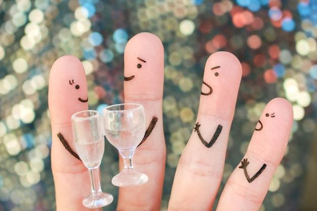 Пальцевое искусство людей во время ссоры. соседи по концепции ссорятся из-за нарушения молчания.