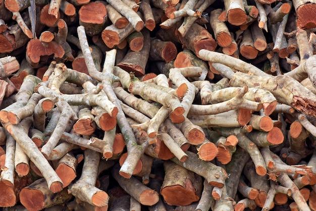 Fireとして機能する製材木材のスタック