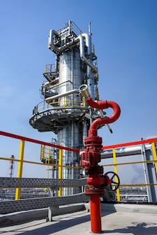 Fireplug to extinguish the fire on the oil column at the refinery