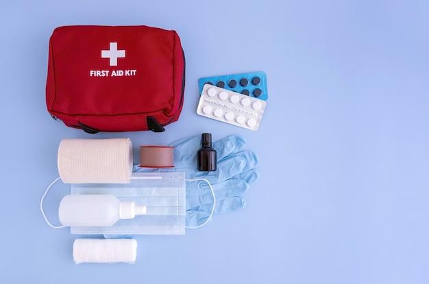 Аптечка бинты перекись водорода bandaid йод медицинские перчатки маска для лица таблетки