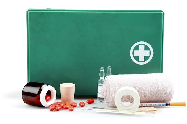 의료 용품이 포함된 구급 상자