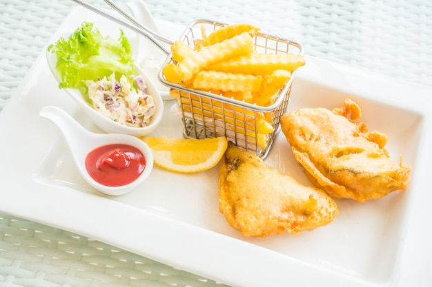 Рыба с чипсами