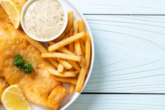 フライドポテトとフィッシュアンドチップス-不健康な食べ物